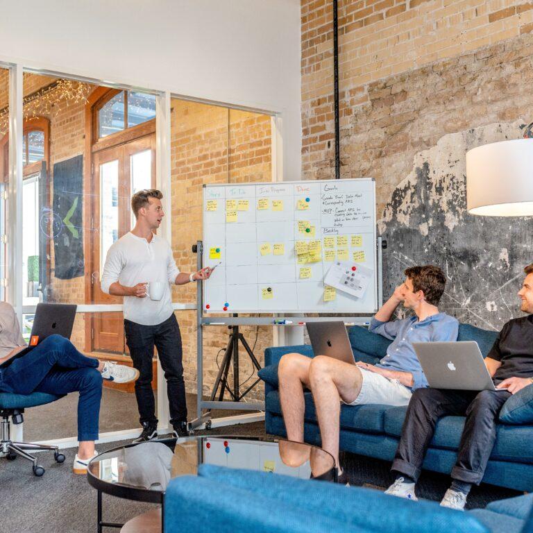 Vergaderingen die je medewerkers energie geven: vijf tips